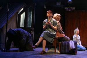 kindertransport the ratcatcher The role of the ratcatcher the character of the ratcatcher plays an important role in the play kindertransport by diane samuels he is not just an.